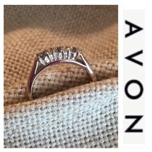 Avon Sterling Silver 3 Stone Ring CZ Anniversary